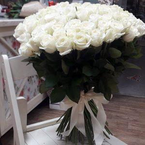 101 белая роза в Херсоне фото
