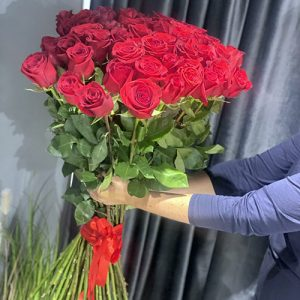 15 импортных роз в Херсоне фото