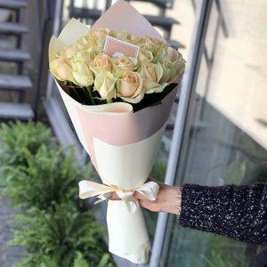 21 кремовая роза в Херсоне фото