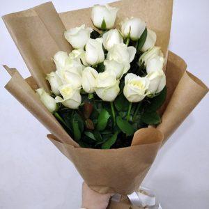 21 белая роза в Херсоне фото