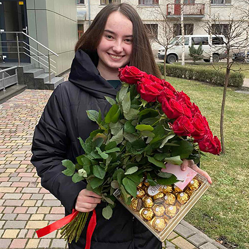 Букет роз и конфеты фото подарка