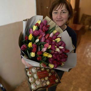 75 тюльпанова и конфеты фотоотчёт