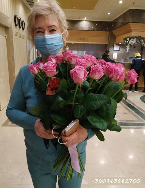 букет розовых роз Аква